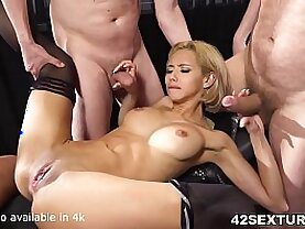 Absolutely Stunningly Sexy Veronica Leal Offers both her holes to guys