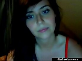 Naked brunette Babe with her perfect boobs on Cam
