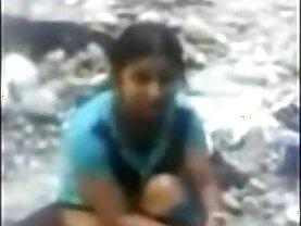 Desi indian girl fucked outdoor