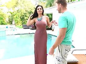 Busty Latina Milf Alejandra