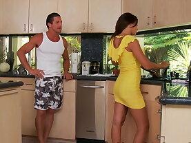Quickie in the kitchen