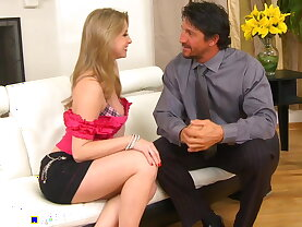 Sucking her old college roommate\'s husband